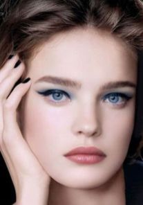50 Blue Eyes Makeup You Need to Copy Ideas 51