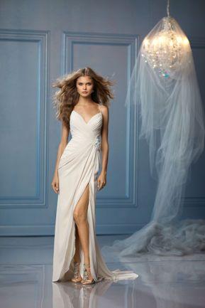 50 Bridal Dresses with Perfect Split Ideas 12
