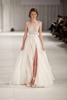 50 Bridal Dresses with Perfect Split Ideas 13