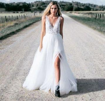 50 Bridal Dresses with Perfect Split Ideas 33