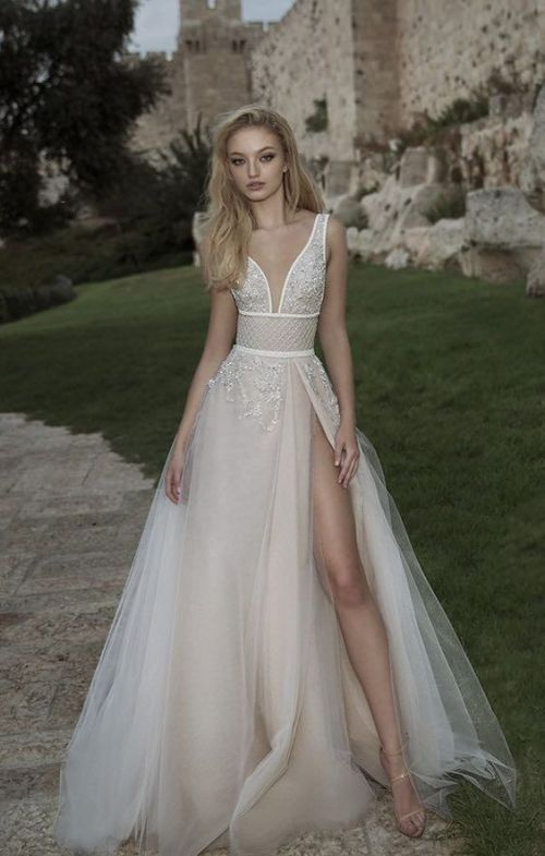 50 Bridal Dresses with Perfect Split Ideas 41