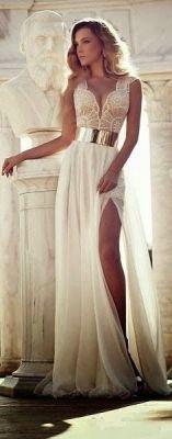 50 Bridal Dresses with Perfect Split Ideas 44
