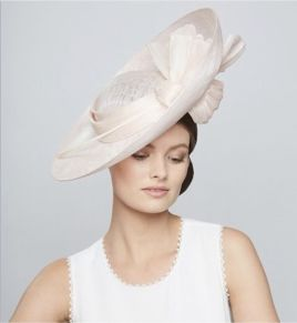 50 Bridal Hats You Will Love Ideas 33