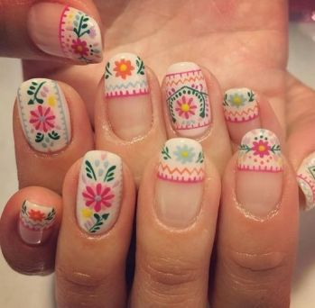 50 Floral Nail Art for Summer and Spring Ideas 34