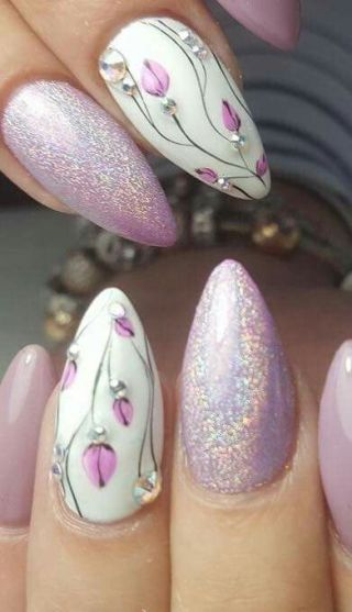 50 Floral Nail Art for Summer and Spring Ideas 38