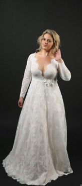 50 V Neck Bridal Dresses for Plus Size Ideas 30