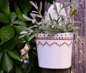 50 Ways to Reuse Plastic Bottles to Cute Planters Ideas 17