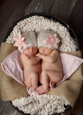 100 Cute Twins New Born Photography You Can Copy 14 1