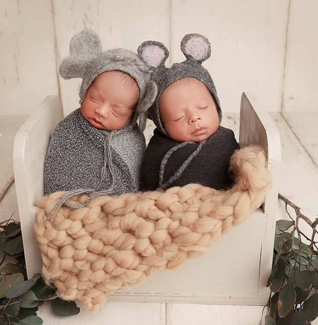 100 Cute Twins New Born Photography You Can Copy 2 1