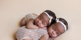 100 Cute Twins New Born Photography You Can Copy 36 1