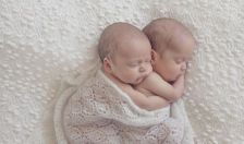 100 Cute Twins New Born Photography You Can Copy 4