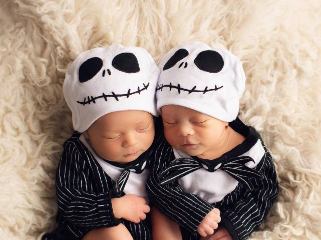 100 Cute Twins New Born Photography You Can Copy 48