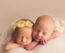 100 Cute Twins New Born Photography You Can Copy 49 1