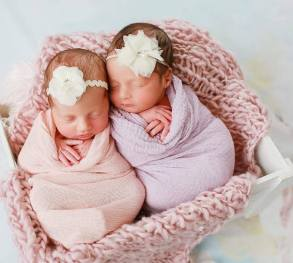 100 Cute Twins New Born Photography You Can Copy 75