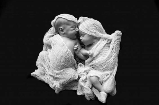 100 Cute Twins New Born Photography You Can Copy 8 1