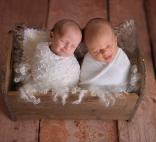 100 Cute Twins New Born Photography You Can Copy 81