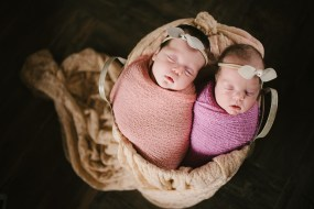 100 Cute Twins New Born Photography You Can Copy 84