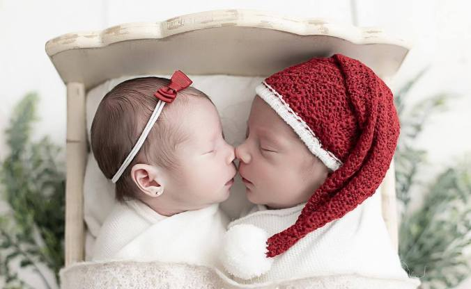 100 Cute Twins New Born Photography You Can Copy 97