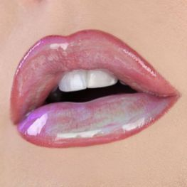 30 Holographic Lips Ideas 3