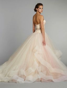 30 Soft Color Look Bridal Dresses Ideas 10