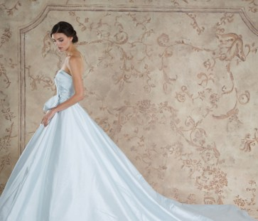 30 Soft Color Look Bridal Dresses Ideas 24