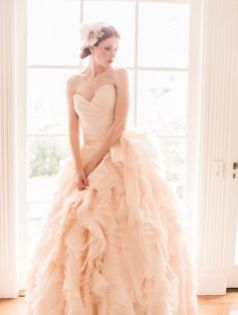 30 Soft Color Look Bridal Dresses Ideas 29