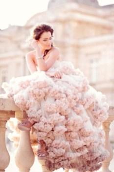 30 Soft Color Look Bridal Dresses Ideas 33