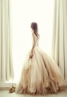 30 Soft Color Look Bridal Dresses Ideas 4