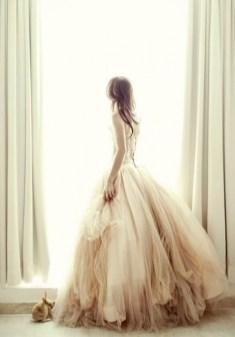 30 Soft Color Look Bridal Dresses Ideas 4
