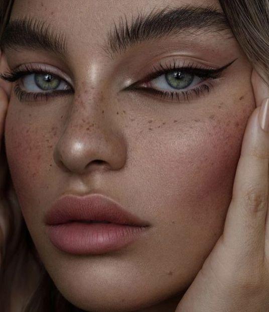 40 Cat Eye Makeup Ideas 20
