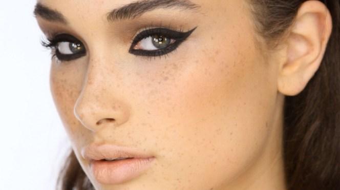40 Cat Eye Makeup Ideas 32