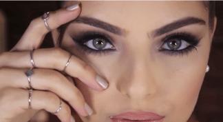40 Cat Eye Makeup Ideas 36