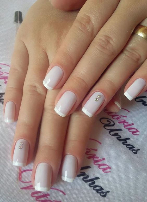 40 Elegant Look Bridal Nail Art Ideas 12