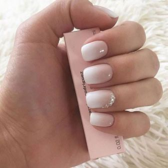 40 Elegant Look Bridal Nail Art Ideas 13