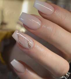 40 Elegant Look Bridal Nail Art Ideas 20