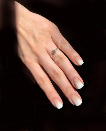 40 Elegant Look Bridal Nail Art Ideas 31
