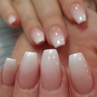 40 Elegant Look Bridal Nail Art Ideas 37