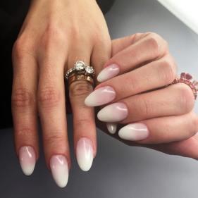 40 Elegant Look Bridal Nail Art Ideas 43