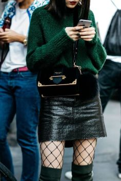 40 Fashionable Green Outfits Ideas 11