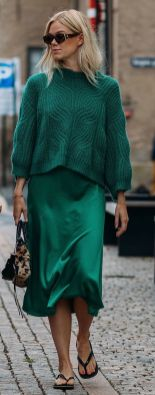 40 Fashionable Green Outfits Ideas 35