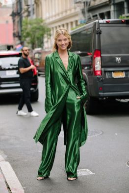 40 Fashionable Green Outfits Ideas 36