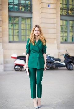 40 Fashionable Green Outfits Ideas 41