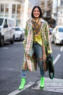 40 How to Wear Neon Shoes Ideas 13