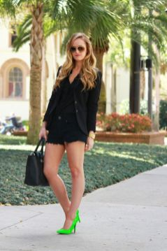 40 How to Wear Neon Shoes Ideas 20