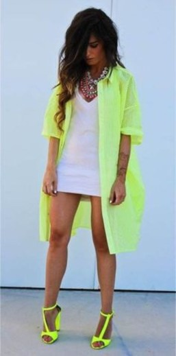 40 How to Wear Neon Shoes Ideas 27