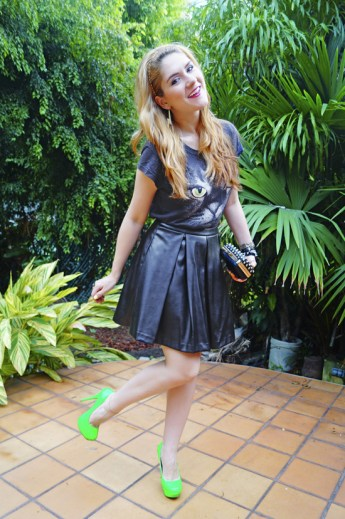 40 How to Wear Neon Shoes Ideas 29