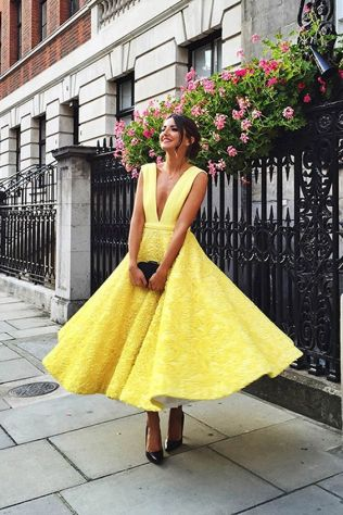 40 How to Wear Tea Lengh Dresses Street Style Ideas 1