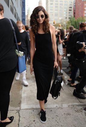 40 How to Wear Tea Lengh Dresses Street Style Ideas 18