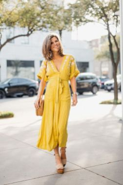 40 How to Wear Tea Lengh Dresses Street Style Ideas 19
