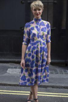 40 How to Wear Tea Lengh Dresses Street Style Ideas 20